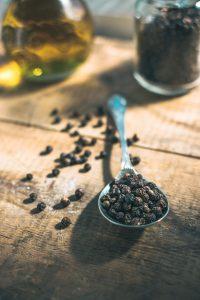 Terpene: Caryophyllene gives peppery scent